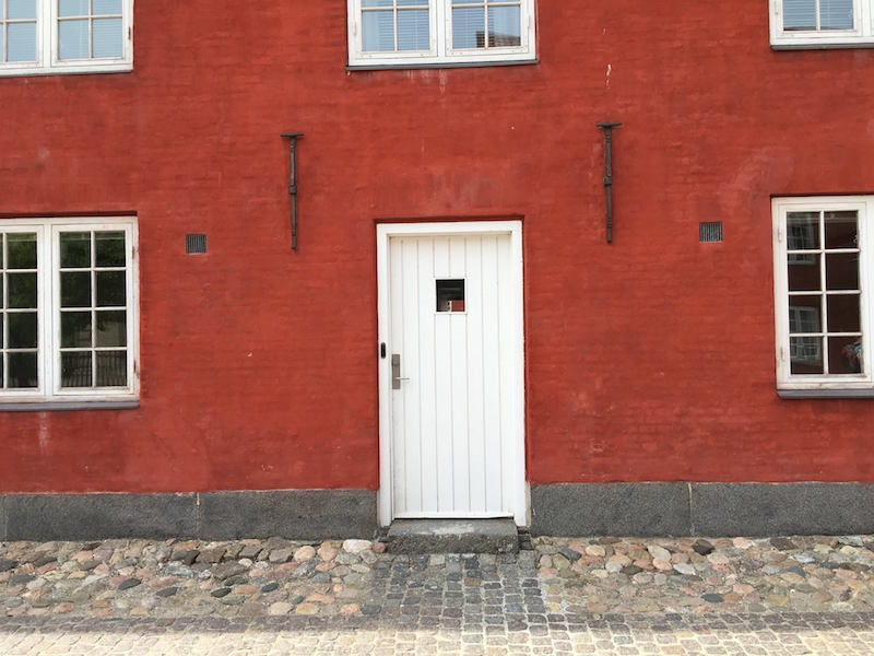 Kastellet red building